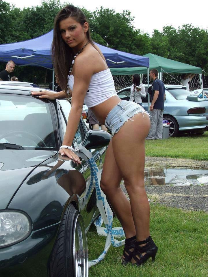 amateur race girl with perfect round ass