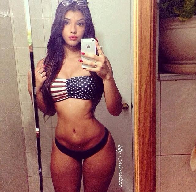 american babe with sexy curves
