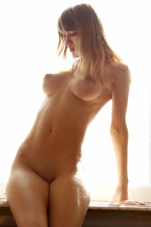 nice hips naked blonde