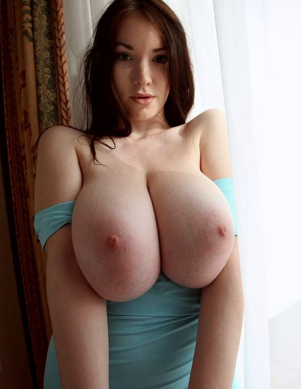 6 Pictures of Gorgeous Girls With Big Tits
