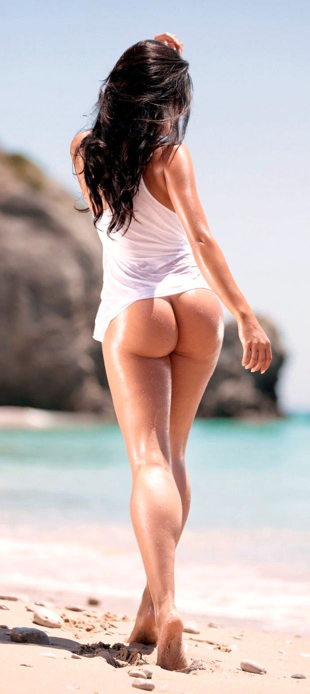 beach girl naked ass