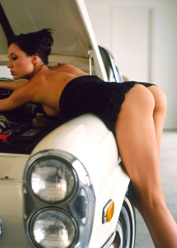 girls ass and old car