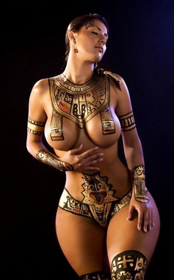 naked cleopatra cosplay