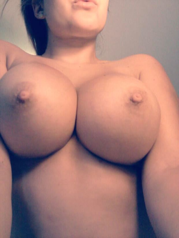 big amateur tits with big nipples