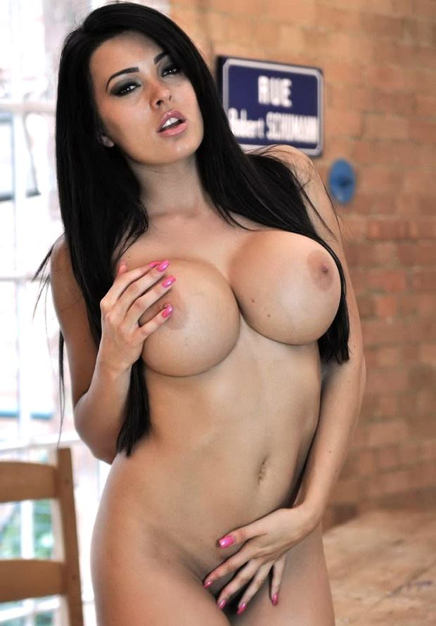 brunette with big round boobs