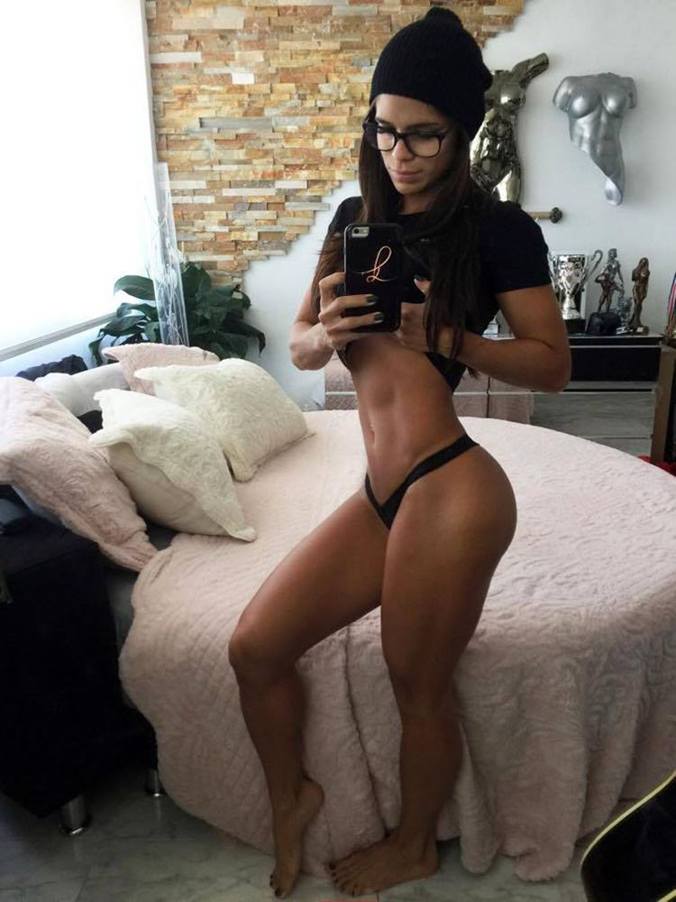 Michelle Lewin perfect round ass