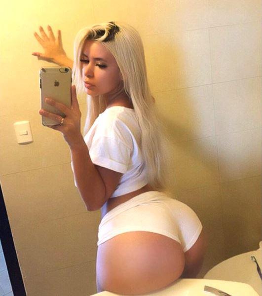 slutty college blonde booty in mirror selfie