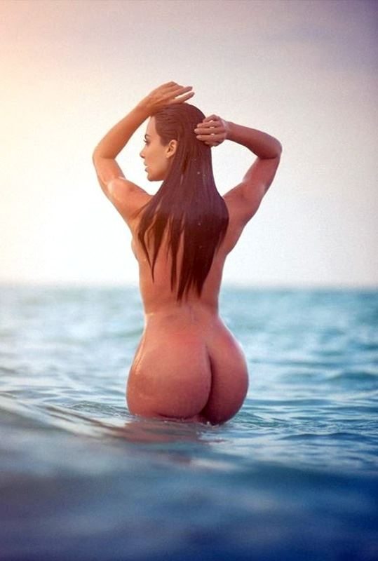 kim kardashian big ass in ocean
