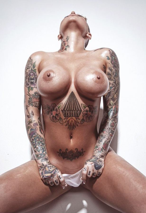 christy mack tits close