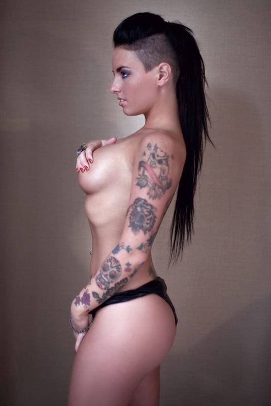 christy mack sexy body