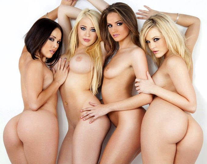 Alexis Texas with sexy girls