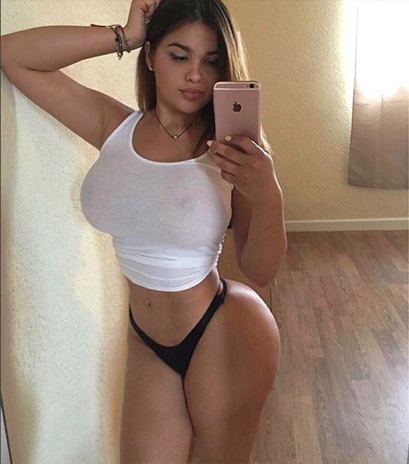 Anastasiya Kvitko home selfie