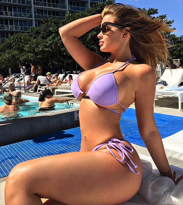 Anastasiya Kvitko by the pool