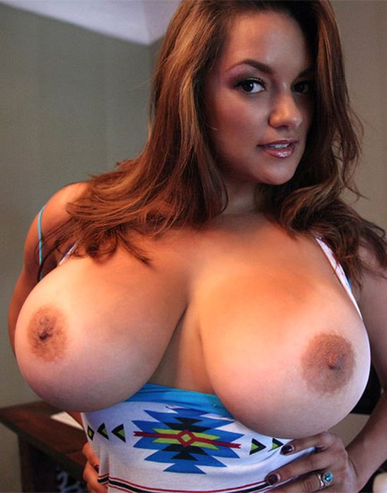 busty horny mom