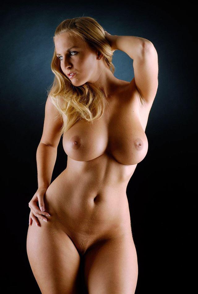 blonde milf nice tits wide hips