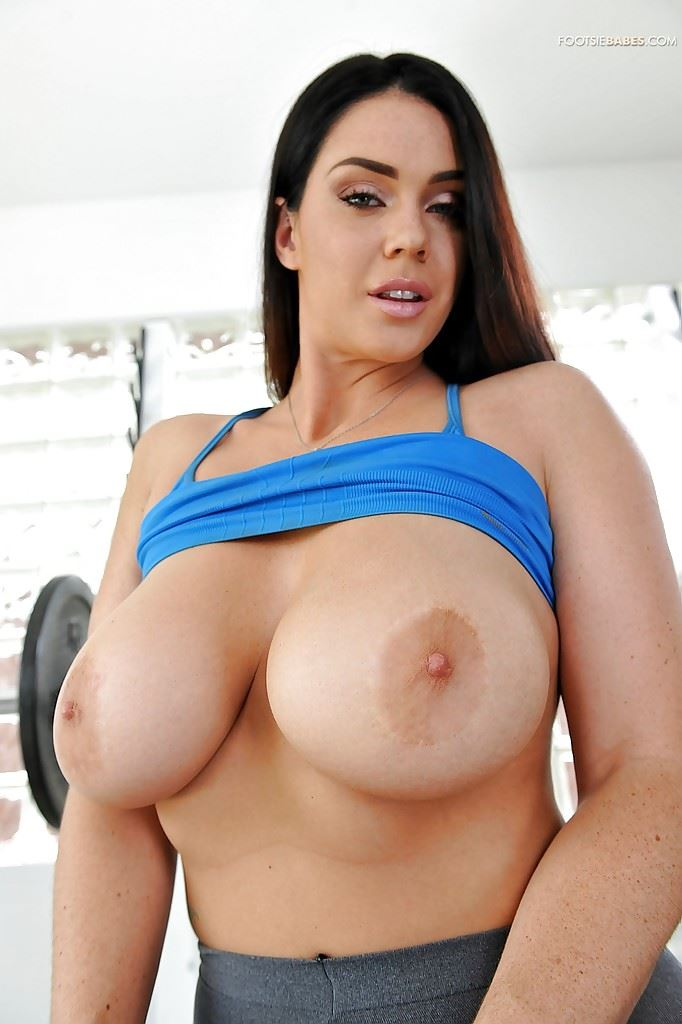 HD Gallery: Alison Tyler in leggins showing her big tits at the gym
