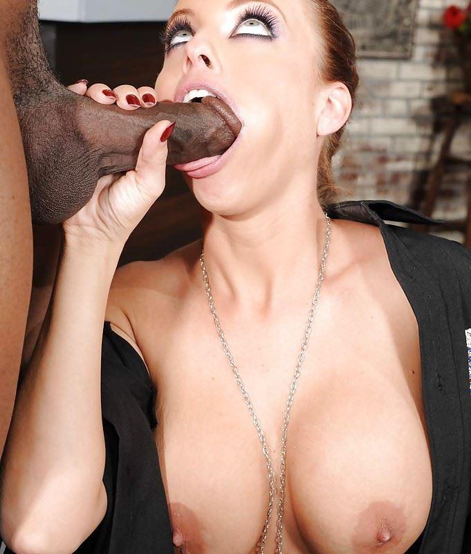 HD Gallery: Britney Amber as police woman sucks black cock
