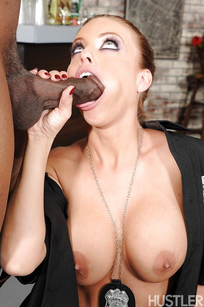HD Gallery: Britney Amber as police woman sucks black cock
