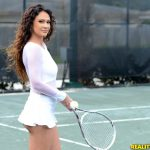 Jessica Torres playing tennis