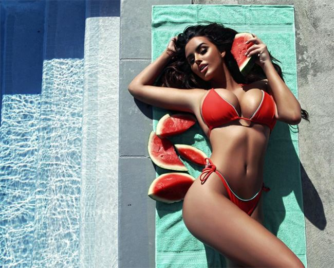 Abigail Ratchford sexy super models with melons