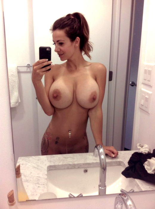 naked big tits selfie in mirror