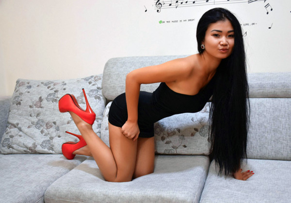 asian beautiful girl on cam