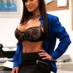 lisa ann big tits in bra