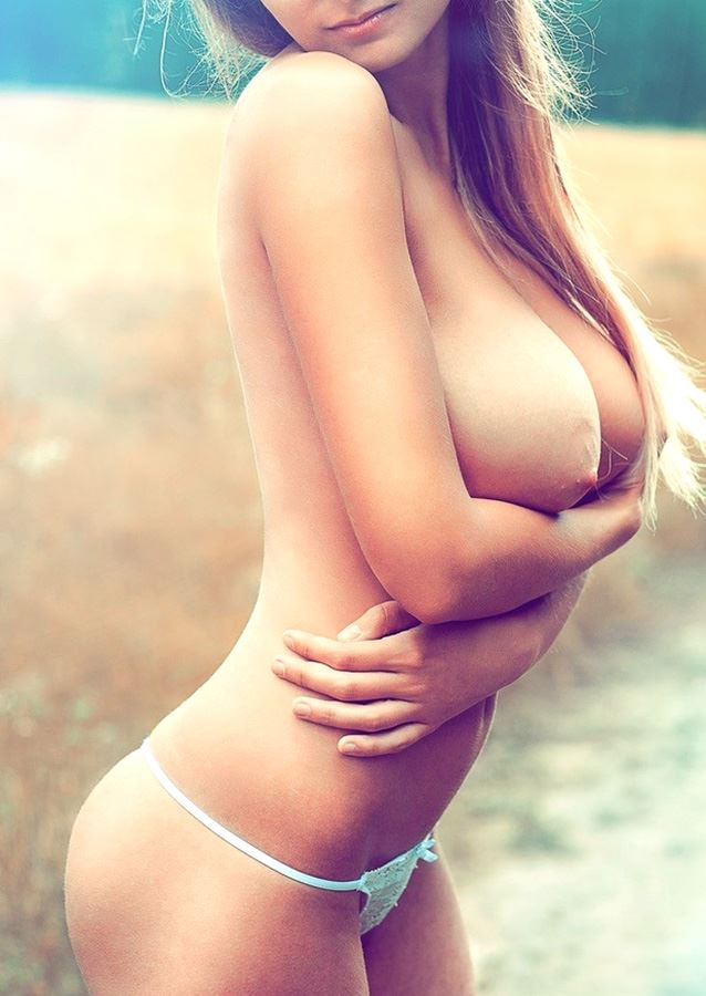 9+ Sexy Pictures of Most Exciting Naked Women Curves