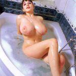 naked yulia nova in bath tube