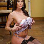 kendra lust taking off her bra